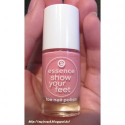 Produktbild zu essence show your feet toe nail polish – Farbe: 02 the pump (LE)