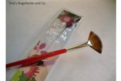 Produktbild zu essence guerilla gardening multi effect brush (LE)
