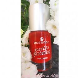 Produktbild zu essence guerilla gardening nail polish – Farbe: 04 floral glam (LE)