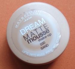 Produktbild zu Maybelline New York Dream Matte Mousse Make-up – Farbe: 030 Sand