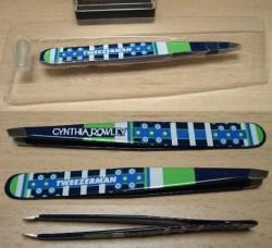 Produktbild zu Tweezerman Cynthia Rowley Foulard-Print Slant Pinzette Kobaltblau (LE)