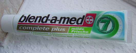 "<strong>blend-a-med</strong> complete plus ""milde Frische"" Zahncreme"