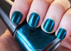 Produktbild zu MANHATTAN Lotus Effect Nail Polish – Farbe: 04 The Ballad Of Blue (LE)
