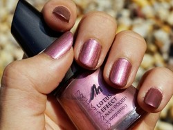 Produktbild zu MANHATTAN Lotus Effect Nail Polish, Farbe: Heart to Breathe (LE)