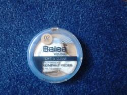 Produktbild zu Balea Young Soft & Clear Mattierendes Kompakt Puder – Farbe: 02 Beige
