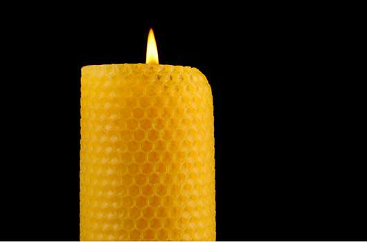Bienenwachs – ein Rohstoff für: Stifte, Emulsionen, Cremes und mehr