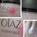 Olaz Essentials Double Action Tagescreme für empfindliche Haut