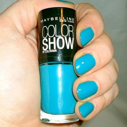 Produktbild zu Maybelline New York Colorshow By Colorama Nagellack – Farbe: 120 Urban Turquoise