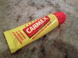 Produktbild zu Carmex Classic Moisturising Lip Balm (Tube)