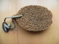 Produktbild zu ebelin Peelingschwamm mit Olivenkernen aus der Toskana