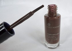 Produktbild zu Yves Rocher Couleurs Nature Nagellack Brillance – Farbe: Chocolat