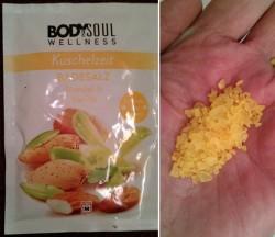 Produktbild zu Body & Soul Wellness Kuschelzeit Badesalz Mandel & Vanille
