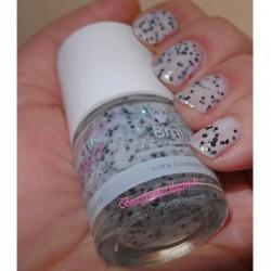 Produktbild zu Kosmetik Kosmo Nagellack Glitter Flake – Farbe: Straciatella