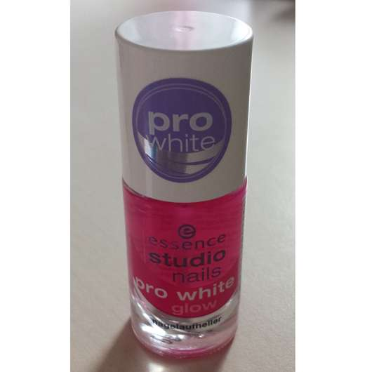 essence studio nails pro white glow