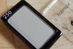 Produktbild zu Arabesque Kompakter Lidschattenpuder – Farbe: 250 Steingrau Matt
