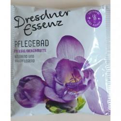 Produktbild zu Dresdner Essenz Pflegebad Freesie/Bergamotte