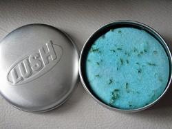 Produktbild zu LUSH Seanik (Shampoo Bar)