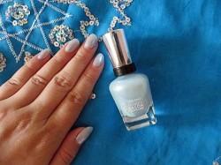 Produktbild zu Sally Hansen Complete Salon Manicure Nagellack – Farbe: 823 Tulle Kit (LE)