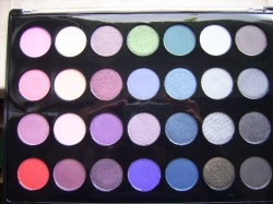 Produktbild zu bh cosmetics 28 Color Smoky Eye Palette