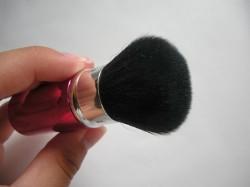 Produktbild zu essence aquatix mini powder brush (LE)