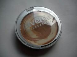 Produktbild zu alverde Naturkosmetik Color & Care Cream To Powder Make Up – Nuance: 20 Warm Toffee