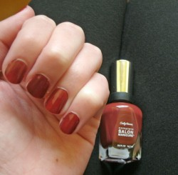 Produktbild zu Sally Hansen Complete Salon Manicure Nagellack – Farbe: 705 Rupee Red (LE)