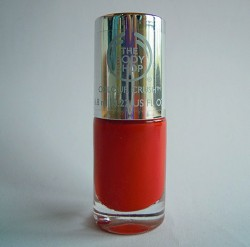 Produktbild zu The Body Shop Colour Crush Nail Colour – Farbe: 130 Red My Mind