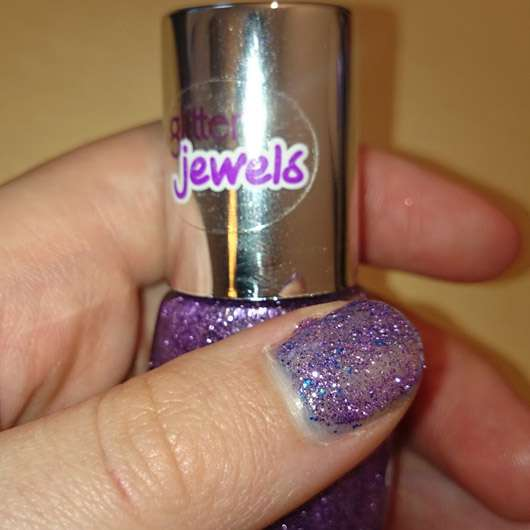 essence effect nail polish, Farbe: 11 party crasher
