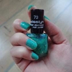 Produktbild zu Misslyn Velvet Diamond Nail Polish – Farbe: 73 oriental emerald