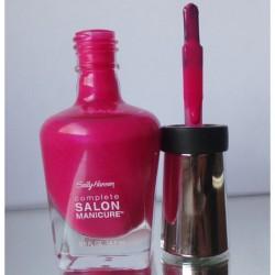Produktbild zu Sally Hansen Complete Salon Manicure Nagellack – Farbe: 530 Back To The Fuchsia