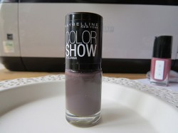 Produktbild zu Maybelline New York Colorshow By Colorama Nagellack – Farbe: 549 Midnight Taupe
