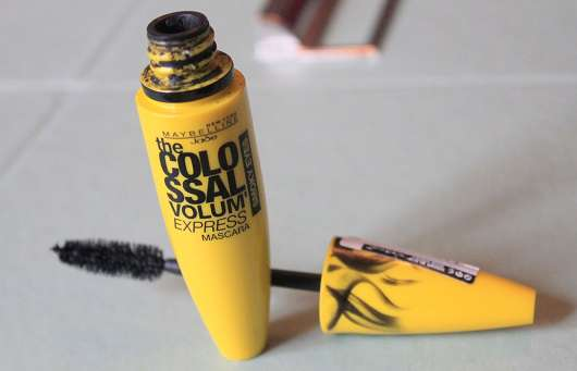 Maybelline The Colossal Volum' Express Mascara Smoky Eyes, Farbe: Dangerous Smoky Black