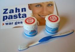 Produktbild zu DENTTABS Zahnputztabletten Stevia-Mint (mit und ohne Fluorid)