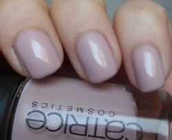 Produktbild zu Catrice Nude Nail Lacquer – Farbe: C01 Taupe-less (LE)