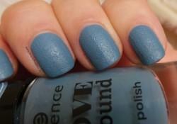 Produktbild zu essence love & sound nail polish – Farbe: 02 blue-chella (LE)