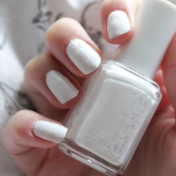 Produktbild zu essie Nagellack – Farbe: blanc