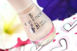 Produktbild zu essence the gel nail polish – Farbe: 04 our sweetest day