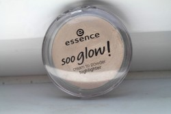 Produktbild zu essence soo glow! cream to powder highlighter – Farbe: 010 look on the bright side