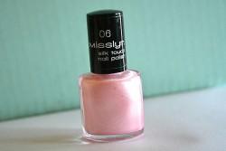 Produktbild zu Misslyn silk touch nail polish – Farbe: 06 ballet