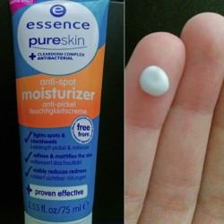 Produktbild zu essence pure skin anti-spot moisturizer
