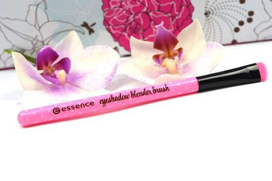 essence make me pretty blender brush – 01 keep cool & brush on (LE)