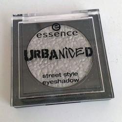 Produktbild zu essence urbaniced street style eyeshadow – Farbe: 01 city girls rule (LE)