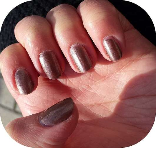 essence happy girls are pretty nail polish, Farbe: 06 the choco side of life (LE)