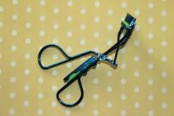 Produktbild zu Misslyn eyelash curler (LE)
