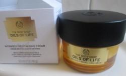 Produktbild zu The Body Shop Oils Of Life Intensely Revitalising Cream
