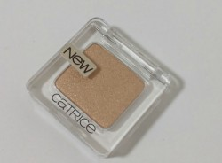 Produktbild zu Catrice Absolute Eye Colour Mono – Farbe: 950 Gold Out!