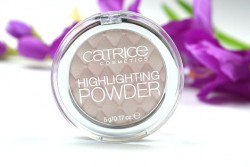 Produktbild zu Catrice Highlighting Powder – Farbe: 010 Stardust