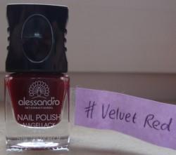 Produktbild zu alessandro International Nagellack Prêt-à-Porter – Farbe: Velvet Red (LE)