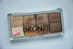 Produktbild zu essence all about bronze eyeshadow palette