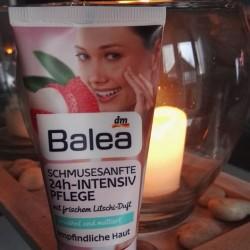 Produktbild zu Balea Schmusesanfte 24h-Intensiv Pflege